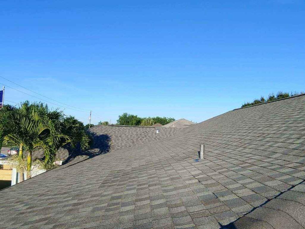 Benefits of asphalt roofing - asphalt or tile